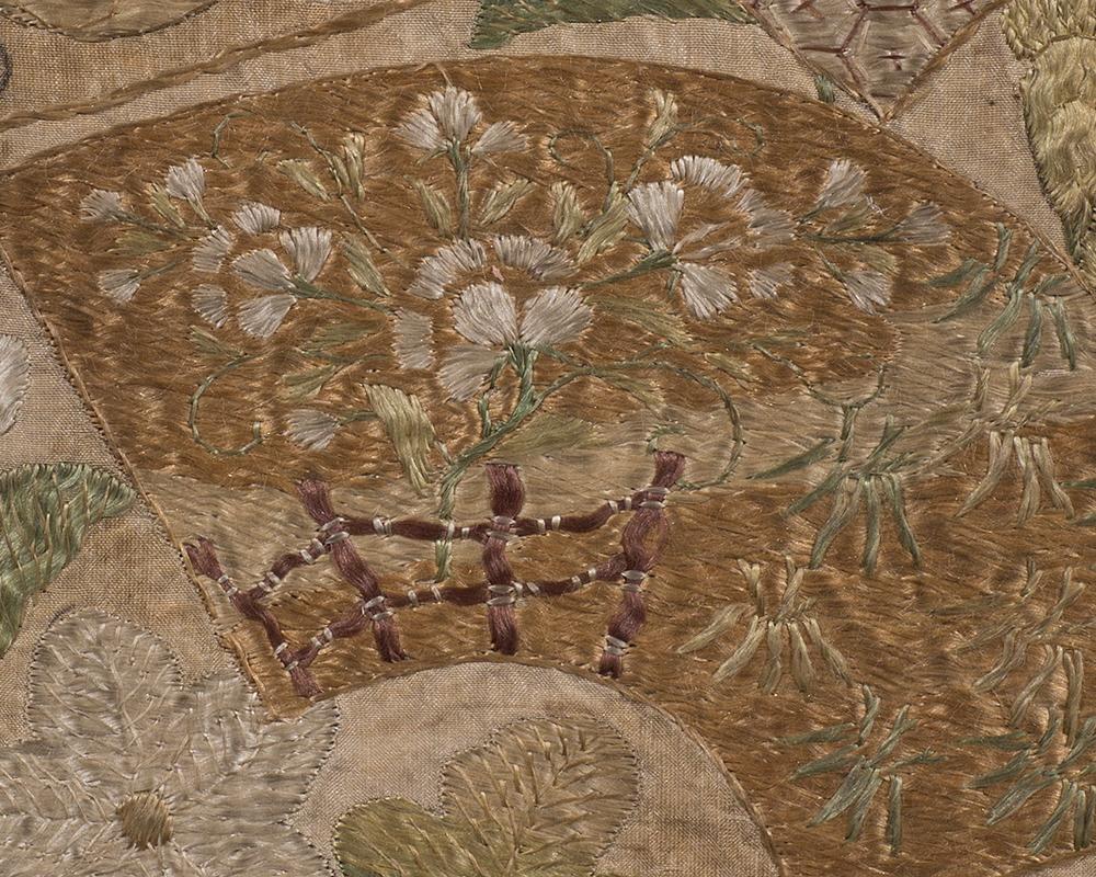 草花に扇面散らし文繍箔